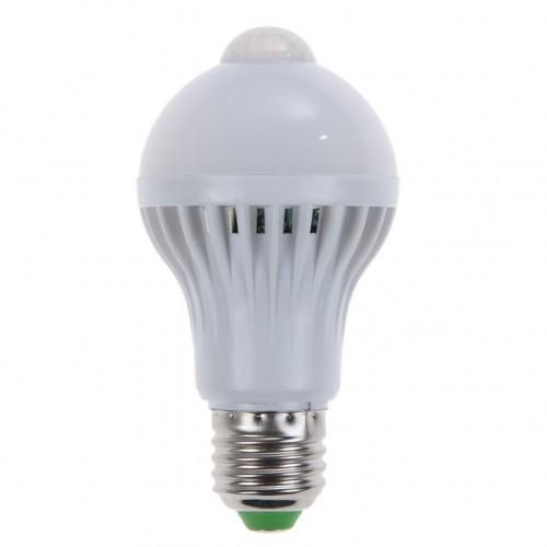 LED žarnica E-27 9W z vgrajenim 360° senzorjem